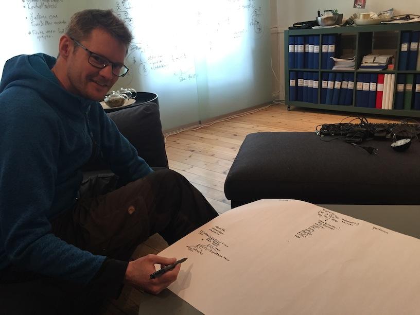 Linus draws